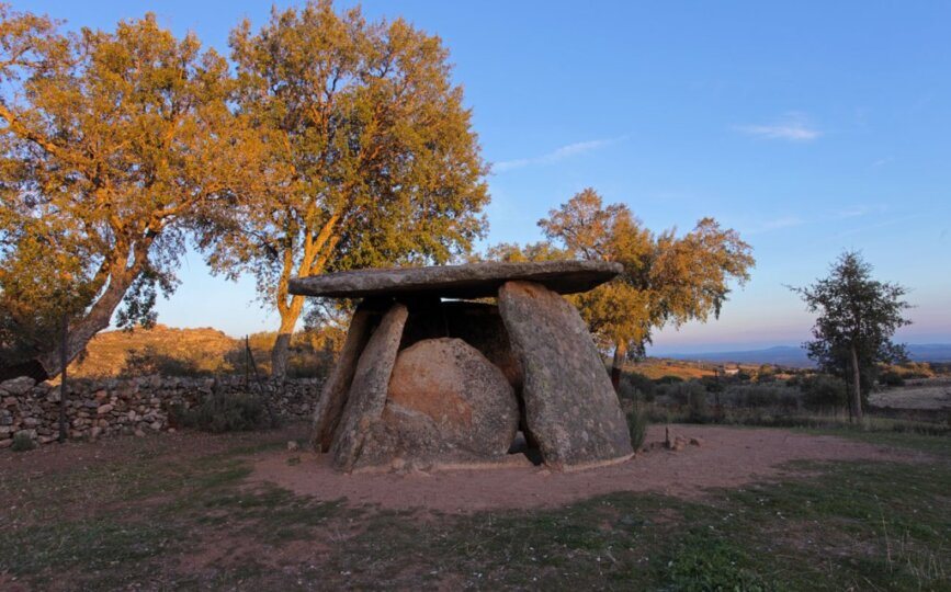 Valencia de Alcántara - dolmen El Mellizo