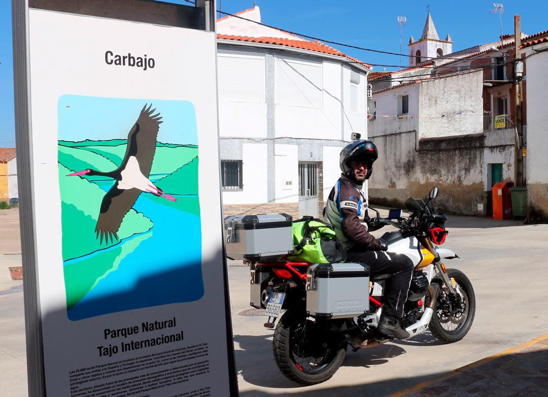 Tajo Internacional En Moto - Quique Arenas