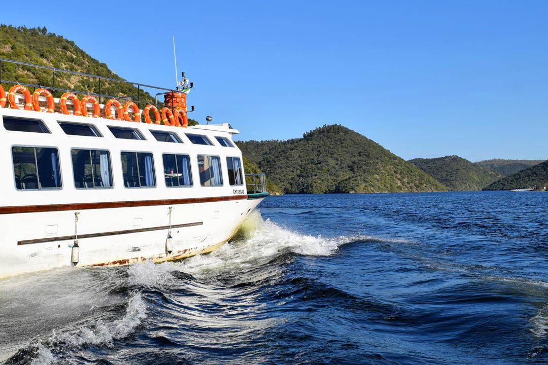 Navegando en el barco del Tajo